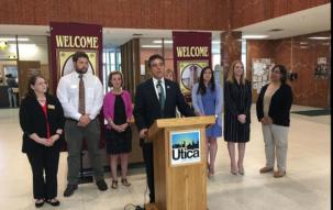 Mayor's Gala Raises Over $55,000 For Young Scholars Program